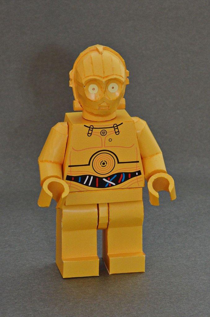 LEGO C-3PO (front)