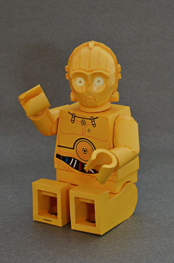 LEGO C-3PO (sitting)